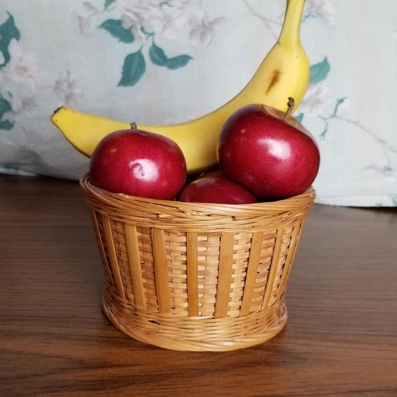 Vintage Woven Wicker Mini Fruit Basket